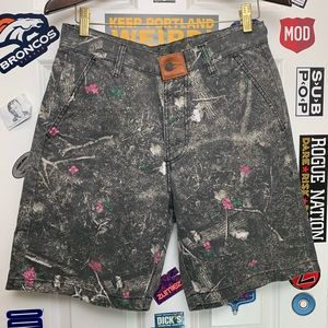 The Hundreds camo flat front shorts